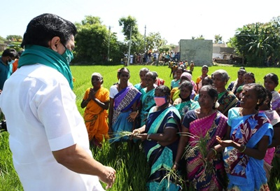 Kanchipuram: DMK President MK Stalin during a demonstration launched by the party against the contentious agricultural laws, in Keezhambi village of Tamil Nadu's Kanchipuram on Sep 28, 2020. (Photo: IANS)