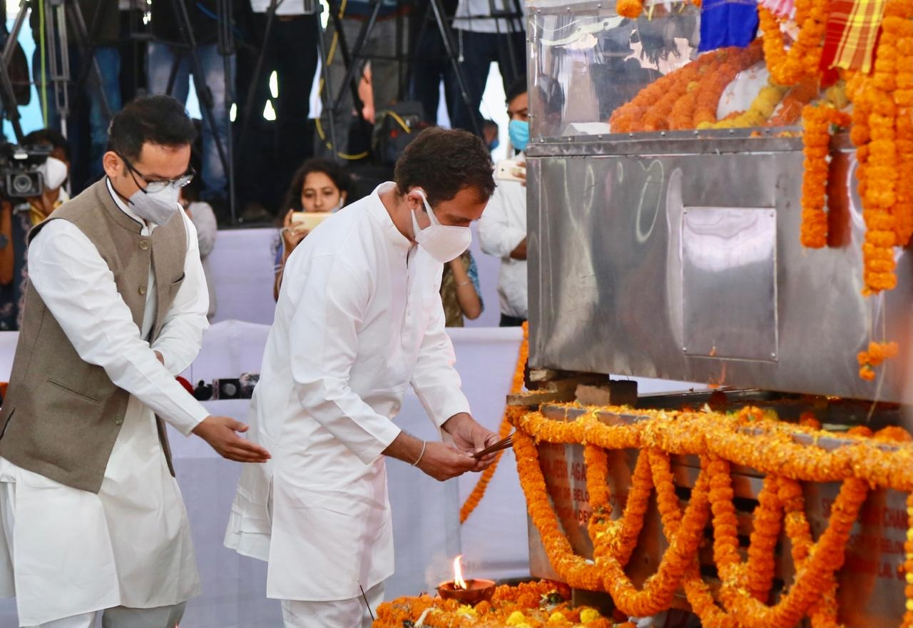 Guwahati: Congress leader Rahul Gandhi accompanied by party MP Gaurav Gogoi, paid his last respect to the veteran Congress leader and Assam's longest serving Chief Minister Tarun Gogoi, at Kalakshetra in Guwahati on Nov 25, 2020. (Photo: IANS)