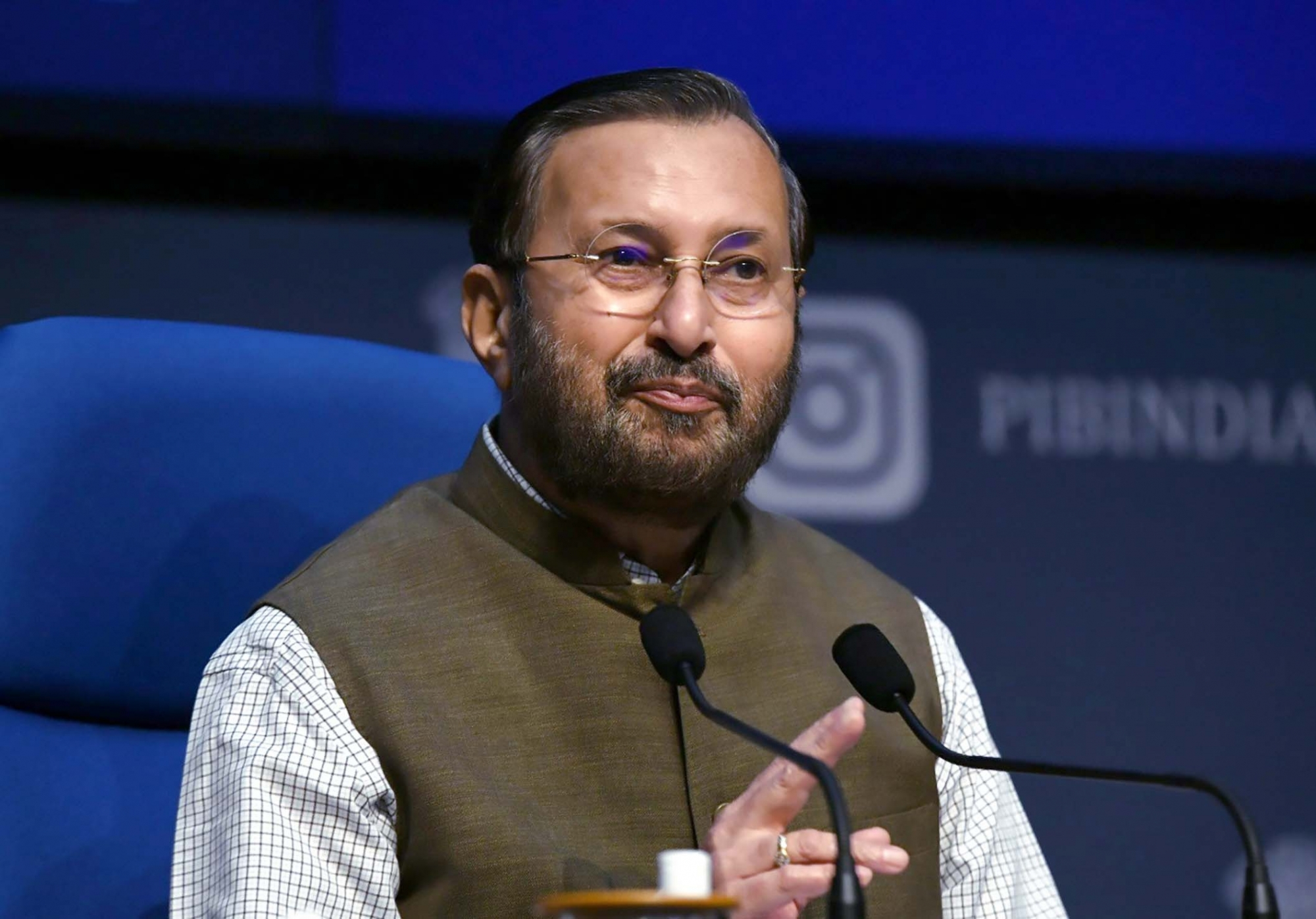 New Delhi: Union Environment, Forest & Climate Change, Information & Broadcasting and Heavy Industries and Public Enterprise Minister Prakash Javadekar briefs the media on various Cabinet Decisions, in New Delhi on Nov 25, 2020. (Photo: IANS/PIB)